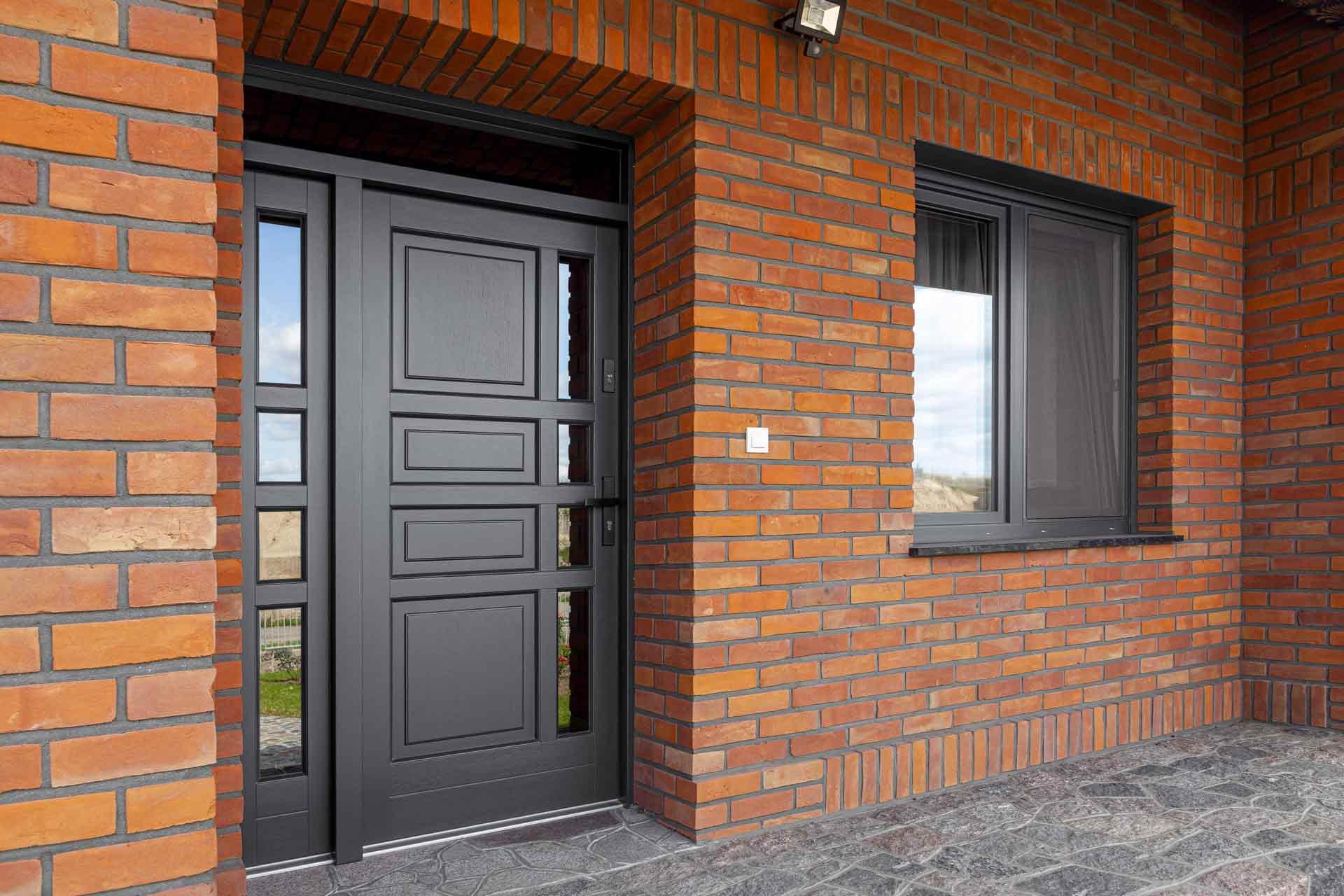 Drzwi zewnętrzne Barański w kolorze antracyt