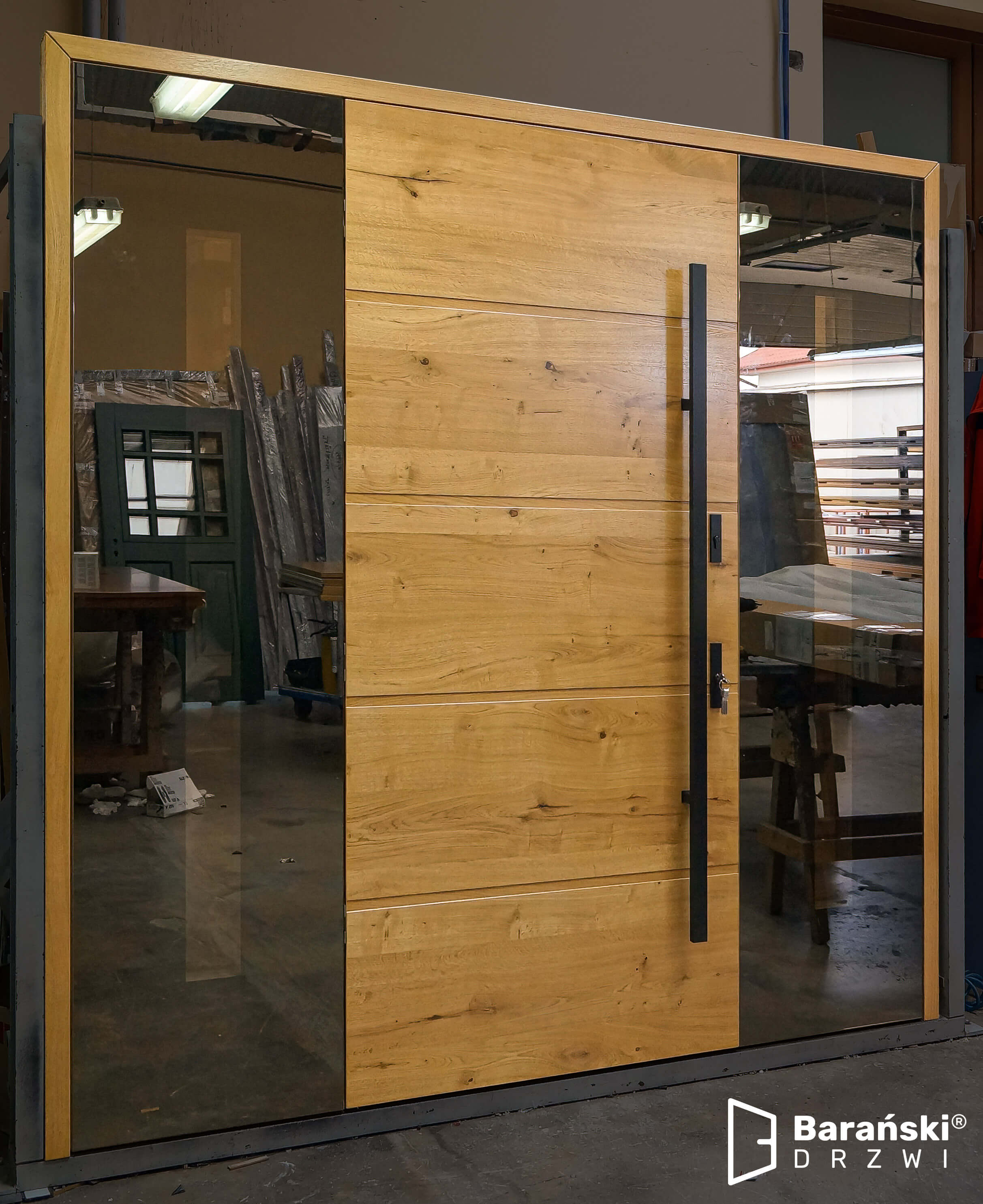 Barański dom o takich drzwiach prezentuje się nowocześnie